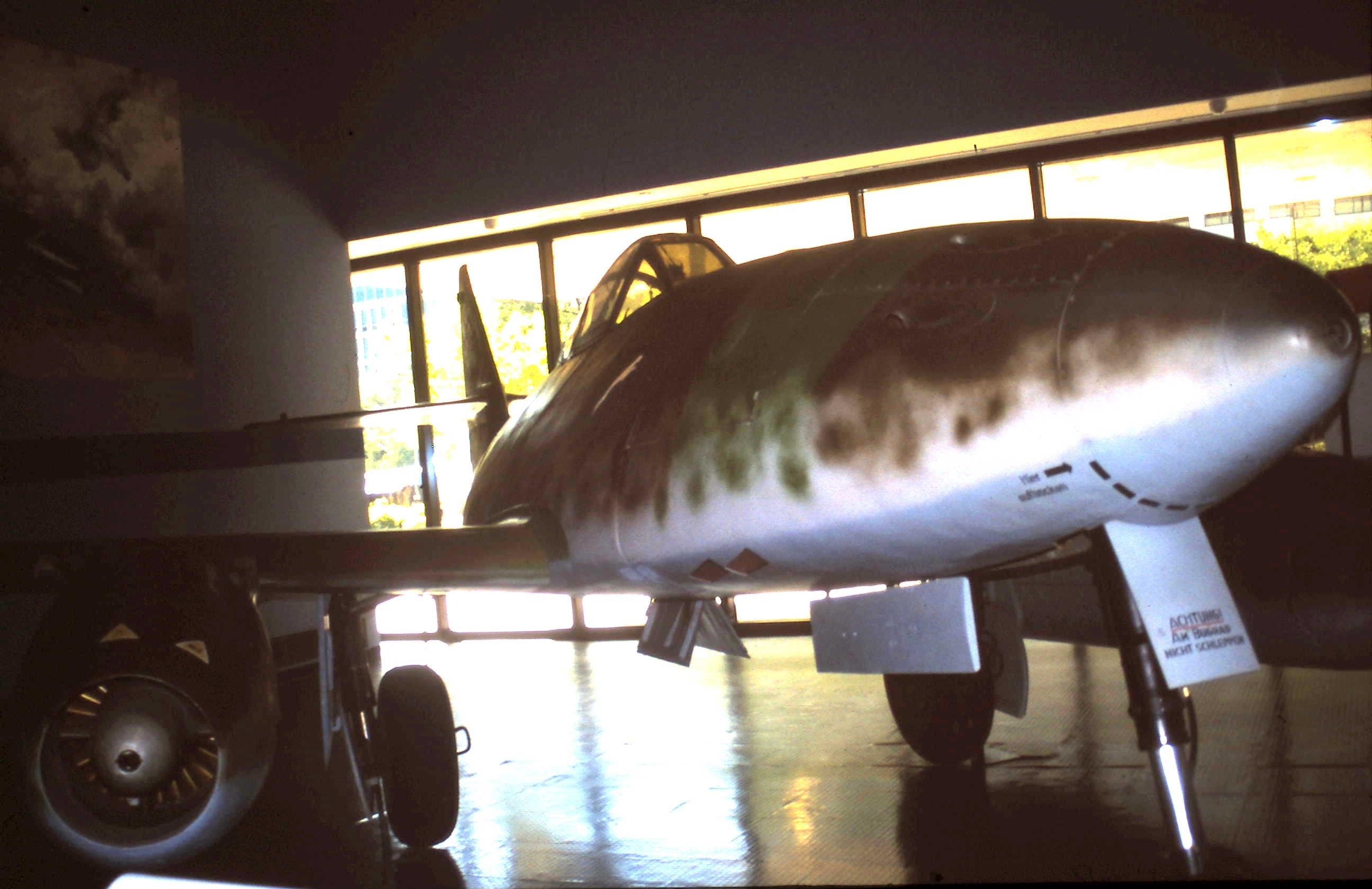1944 2002-09-12 Me 262