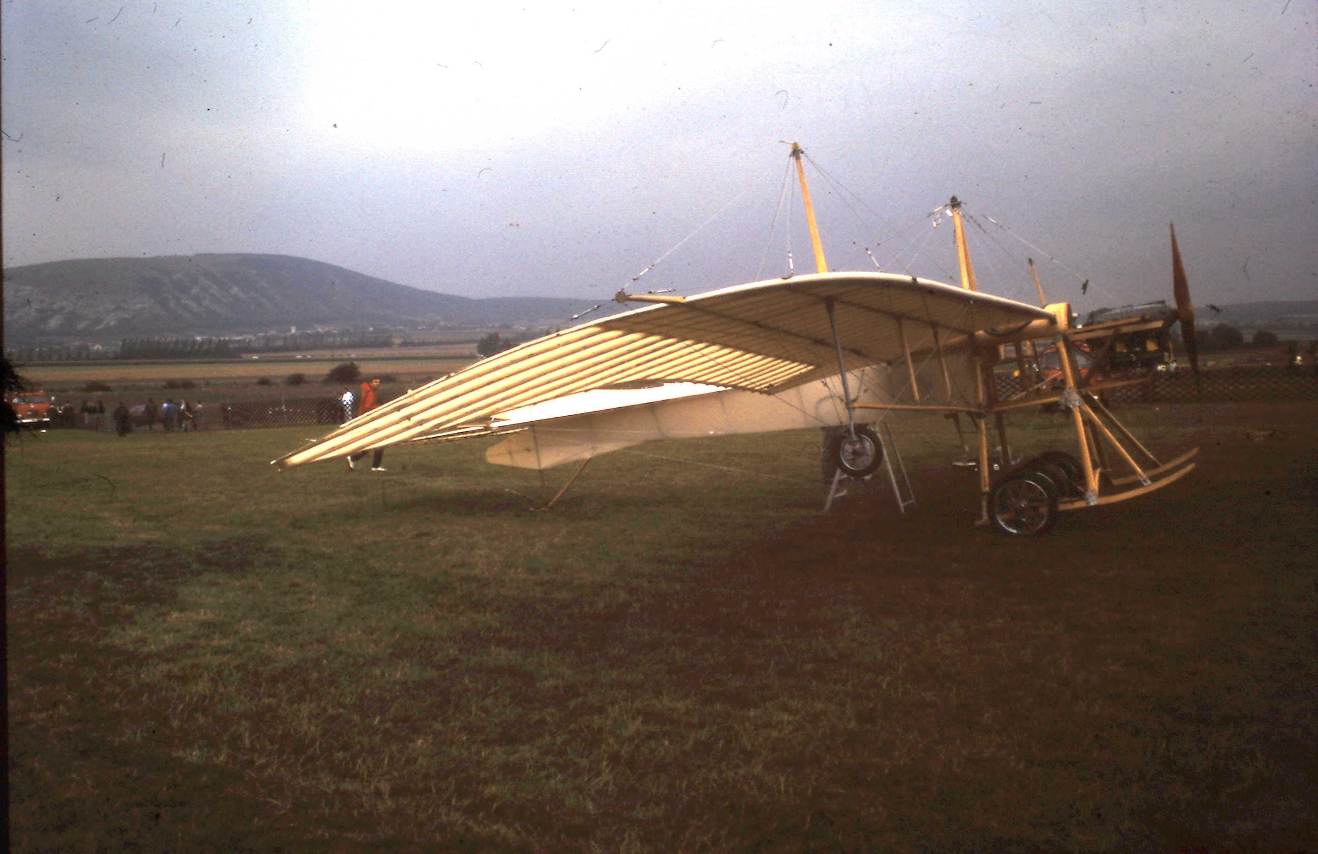 1912-09-01 Etrich Taube